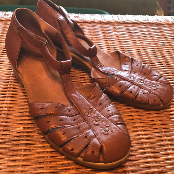 d305ed22fafc Easy Spirit Shoes - Easy spirit espadrille sandals 🌻